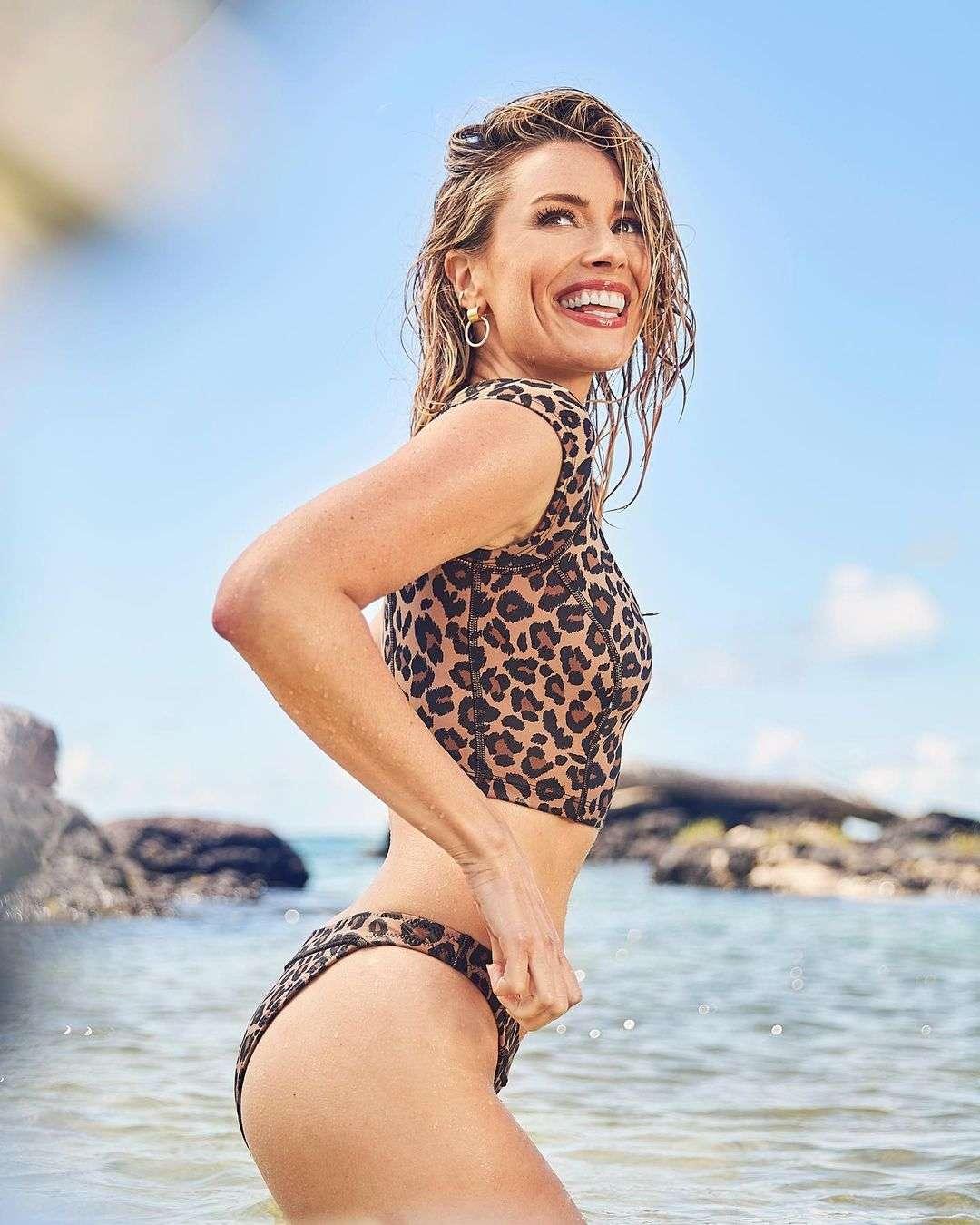 Arielle Vandenberg sexy