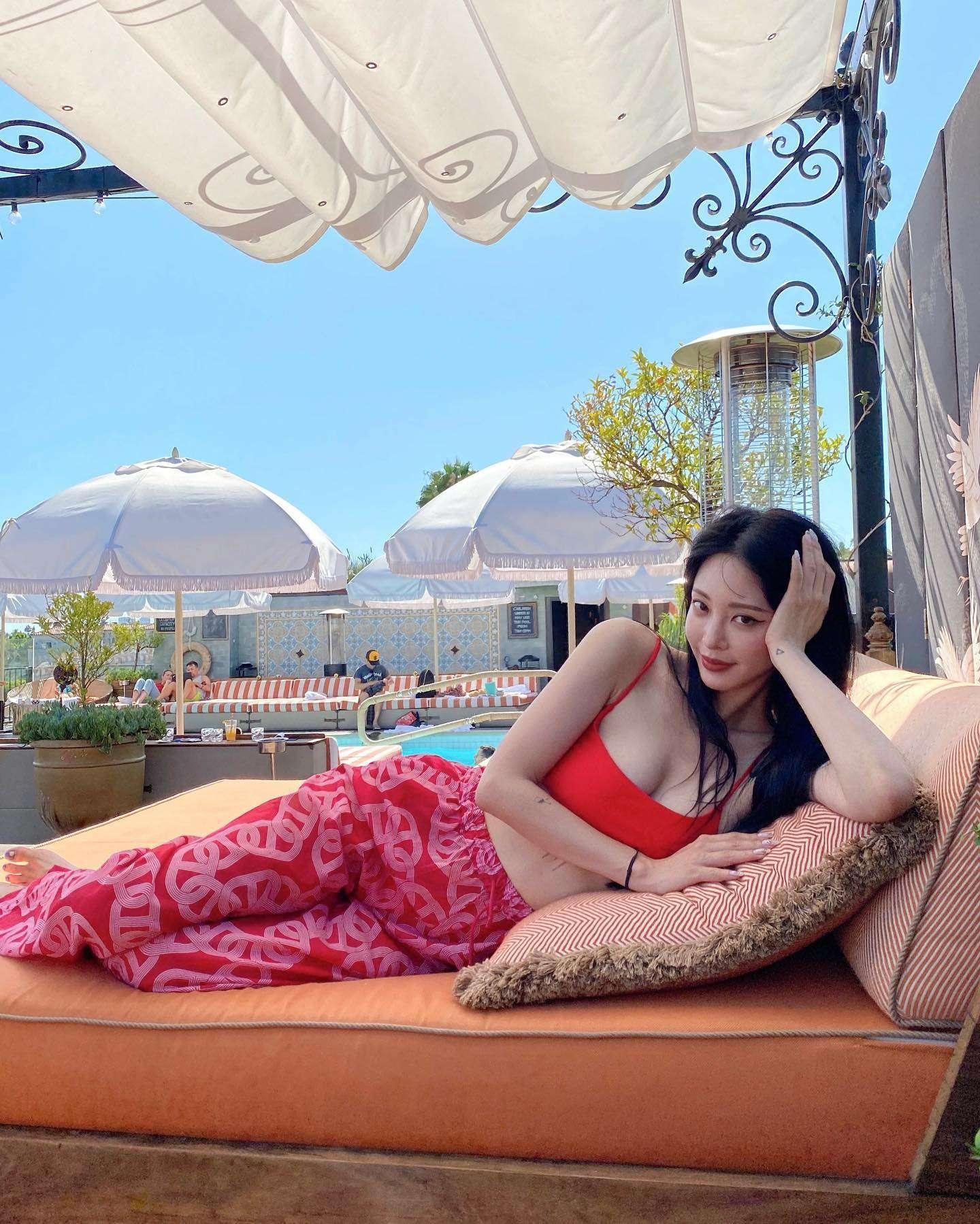 Han Ye Seul hot pics