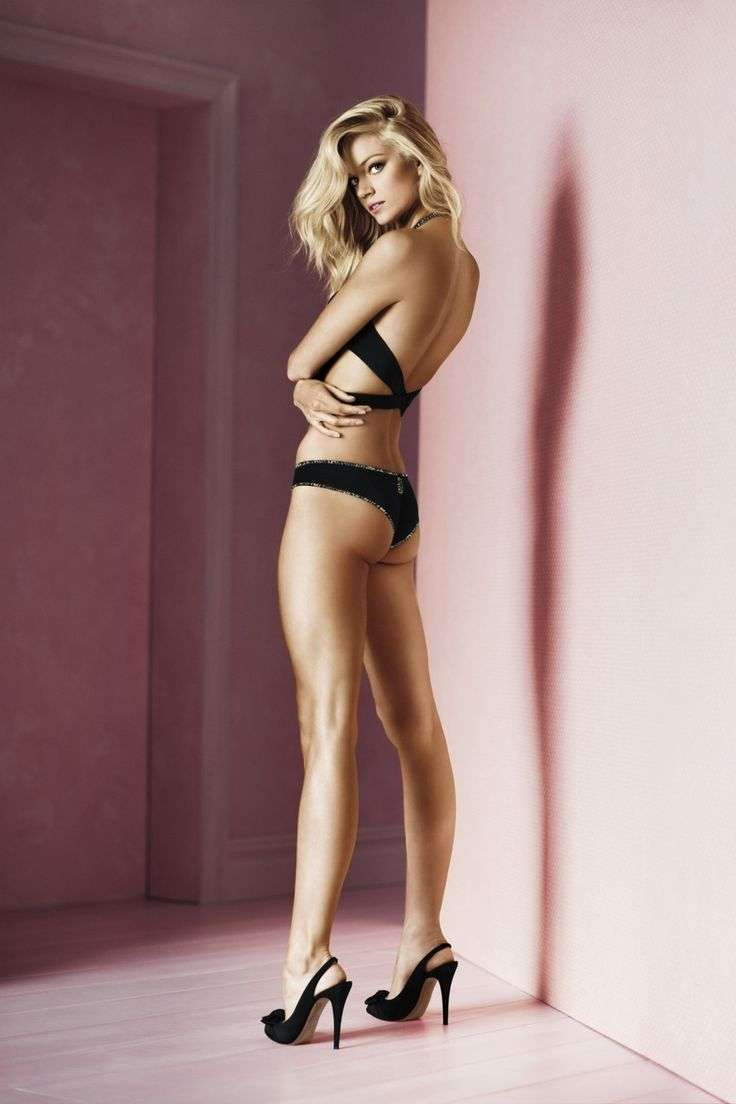 Lindsay Ellingson sexy pics