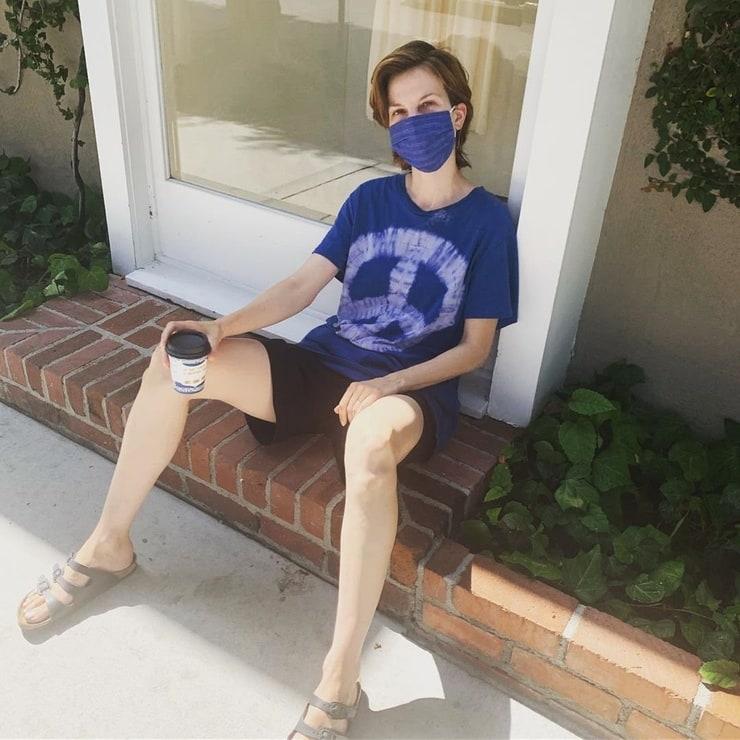 sylvia hoeks thighs