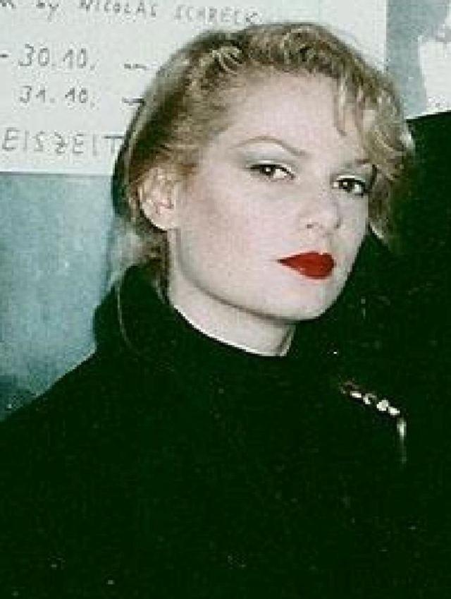 zeena lavey red lips