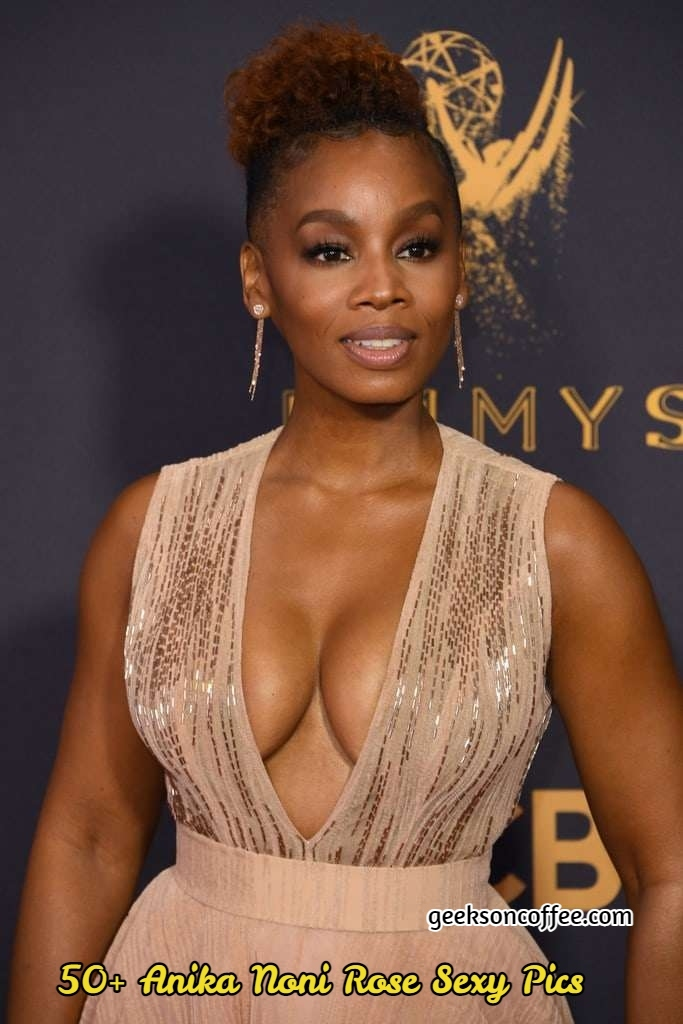 Anika Noni Rose sexy pictures